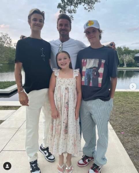 Victoria Beckham a partagé une photo où apparaissent les membres de sa petite famille : David Beckham en compagnie de leurs enfants.