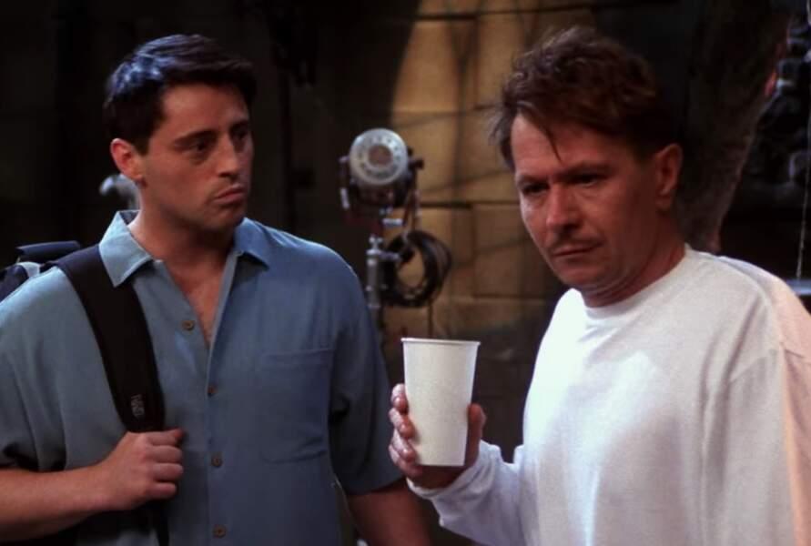 Dans un épisode, Joey a eu affaire à un acteur qui postillonnait et buvait un peu trop... Il était joué par Gary Oldman