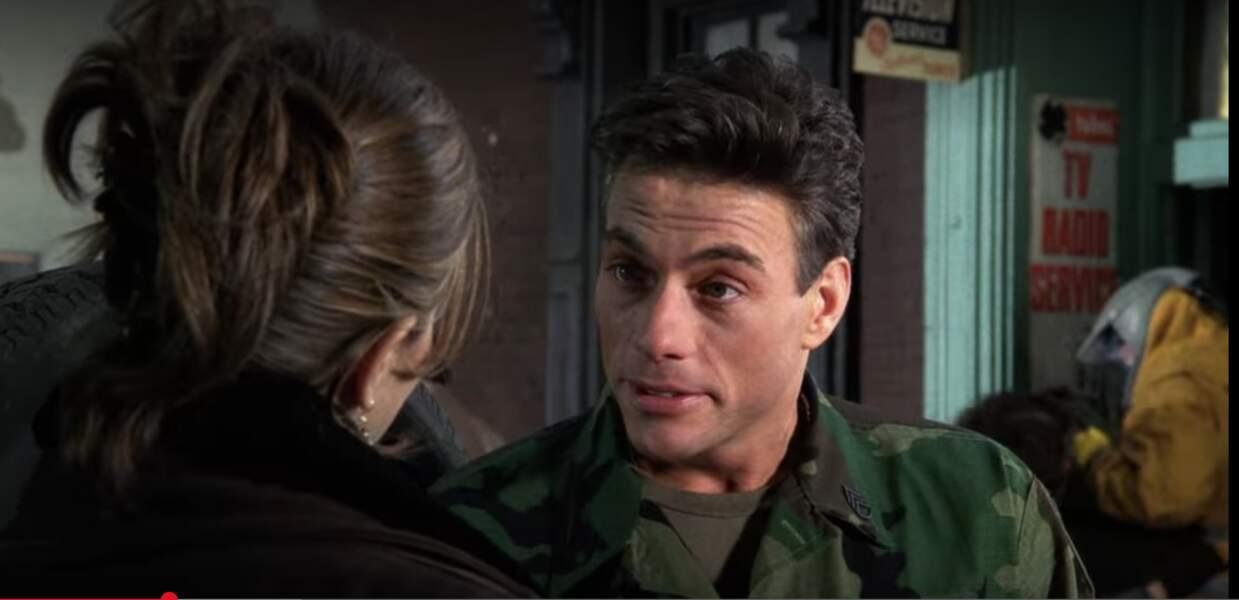 Au grand regret de Monica, Jean-Claude Van Damme, alias Jean-Claude Van Damme, avait un faible pour Rachel