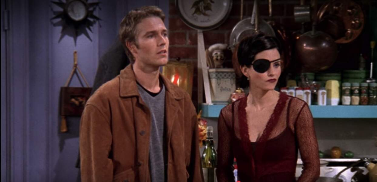 Dans un épisode, Monica a embrassé le fils de Richard, Timothy. Il était joué par le Français Michaël Vartan.