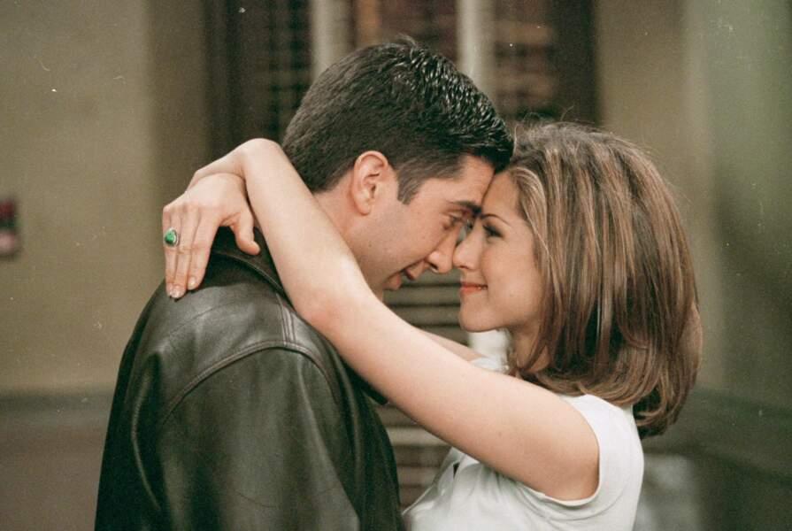 S'ils jurent qu'il ne s'est jamais rien passé entre eux, Jennifer Aniston et David Schwimmer ont admis pour la première fois en 2021 qu'ils craquaient l'un sur l'autre pendant la saison 1 de Friends