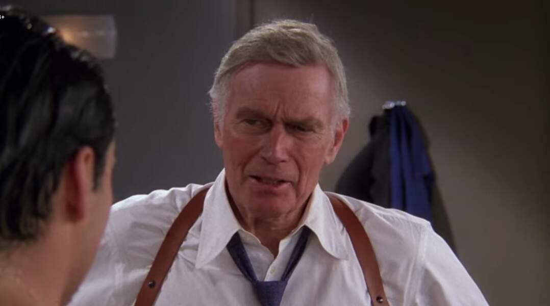 Charlton Helston n'avait pas hésité à jouer son propre rôle et à botter les fesses de Joey, qui prenait une douche dans sa loge lors d'un tournage