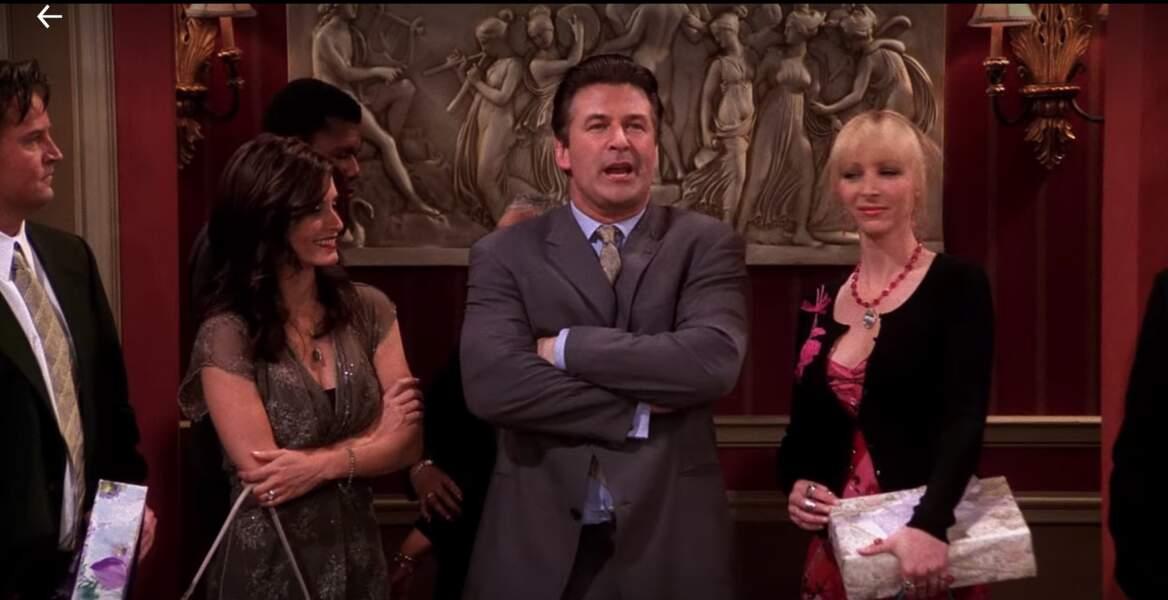 L'excentrique du trio féminin de Friends a aussi eu une relation avec un certain Parker, un personnage un poil trop enthousiaste. Alec Baldwin l'incarnait