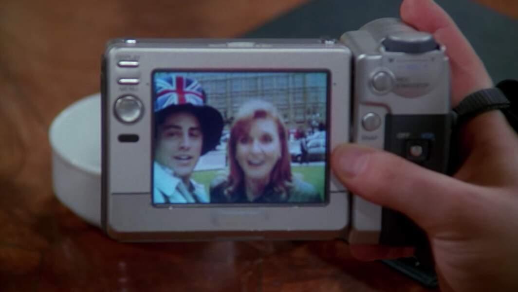 """A Londres, Sarah Ferguson (""""Fergie mon petit poussin"""") redonnait le sourire à Joey après sa dispute avec Chandler"""