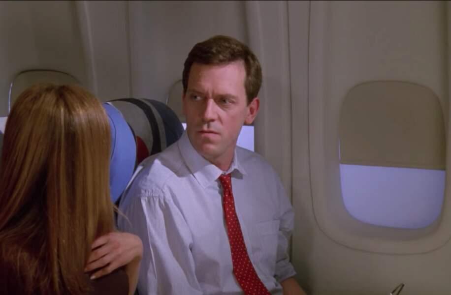 Vous reconnaissez ce comédien qui remonte les bretelles à Rachel prête à déclarer son amour à Ross sur le point de se marier ? Il s'agit de Hugh Laurie bien sûr !