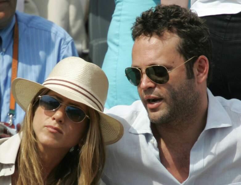 Après Brad, Jennifer Aniston retrouve ensuite l'amour dans les bras de l'acteur Vince Vaughn