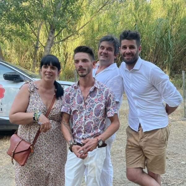 Pierre, Frédérique et Emeric posent aux côtés du jeune marié !