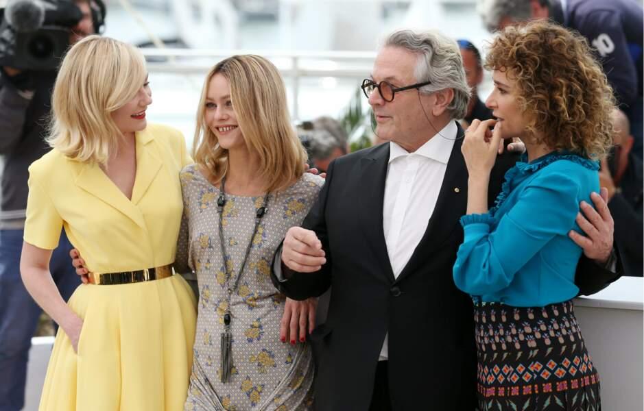 2016. Kirsten Dunst, Vanessa Paradis, George Miller et Valeria  Golino pour le photocall du jury