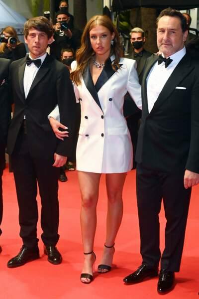 Adele Exarchopoulos au bras de Gilles Lellouche et du réalisateur Cédric Jimenez