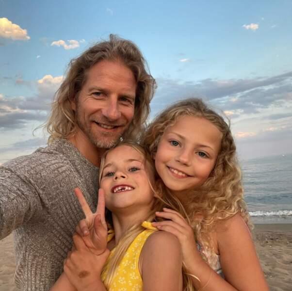 Gwendal Peizerat et ses filles, Shanelle et Lilas.