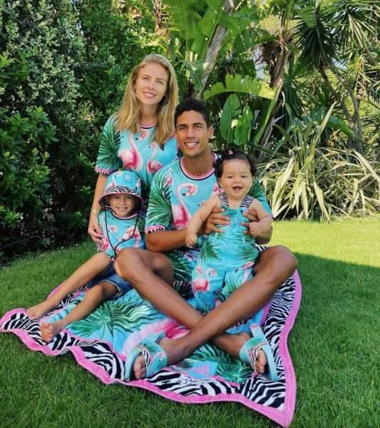 Et toute la petite famille de Raphaël Varane était assortie (non mais regardez la bouille de sa fille Anaïs !).