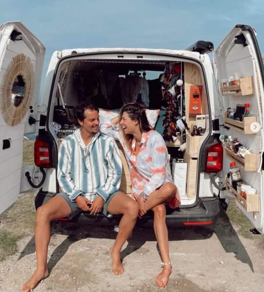 Pour Laury Thilleman et son mari Juan Arbelaez, c'est l'heure du road-trip en Galice (et ils ont prénommé leur camionnette Denise).