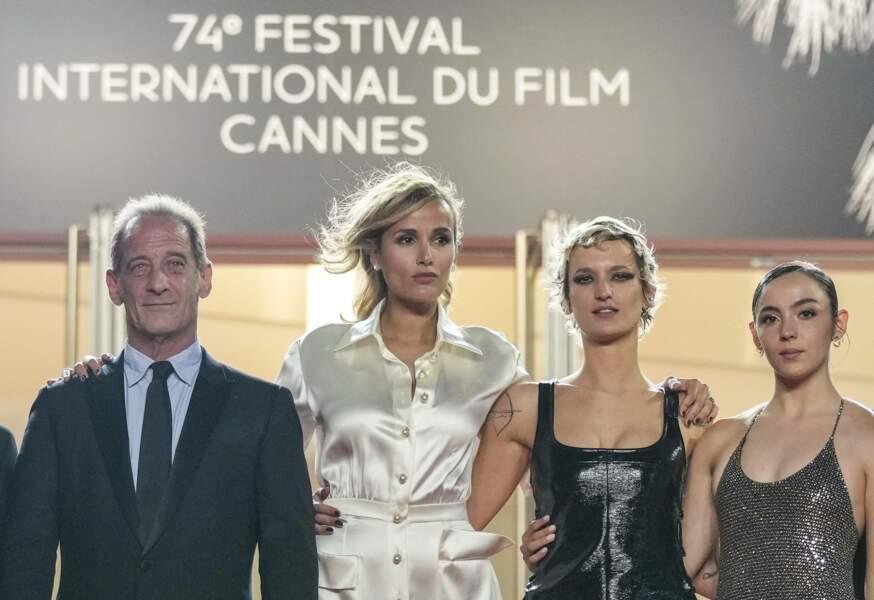 Vincent Lindon, Julia Ducournau, Agathe Rousselle, et Garance Marillier