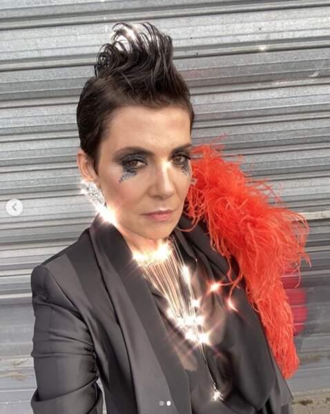 Et Cristina Cordula était juste méconnaissable dans ce look punko-chic.