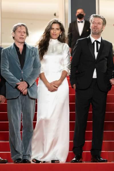 Mathieu Amalric pose avec Maïwenn et Bertrand Belin