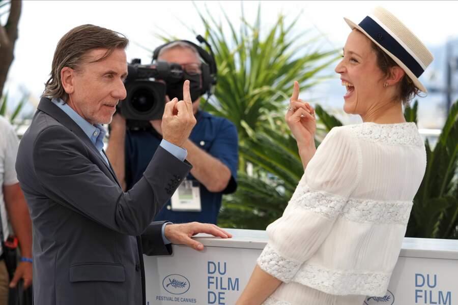 """Tim Roth et Vicky Krieps (""""Bergman Island"""") sont de bons amis, on vous jure !"""