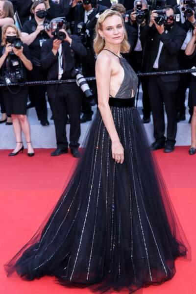 """Diane Kruger en robe Armani à la montée des marches de """"Tout s'est bien passé"""""""