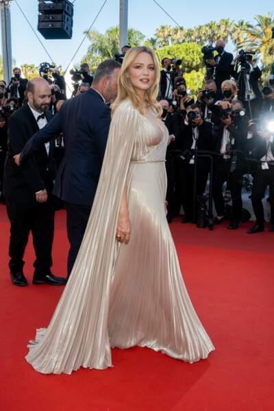 Virginie Efira radieuse en robe haute couture Christian Dior