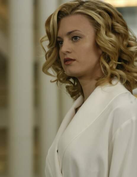 Quant à Brooke D'orsay (Deb), elle a tourné dans Mon oncle Charlie, Royal Pains ou Grace & Frankie
