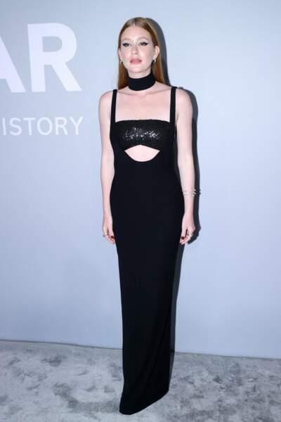 Total look noir aussi pour Marina Ruy Barbosa, la fille du photographe brésilien Paulo Ruy Barbosa, qui avait choisi une robe composée d'une brassière à paillettes très tendance.