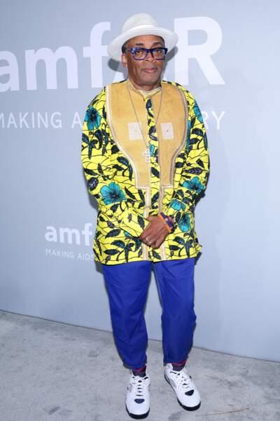 Clou du spectacle, Spike Lee ne pouvait qu'attirer tous les regards avec sa tunique très colorée.
