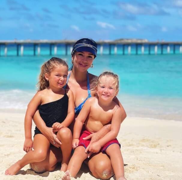 Jazz et ses enfants sont aux Maldives.