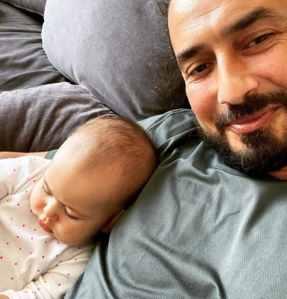 Adorable selfie de Moundir et sa petite Aya.