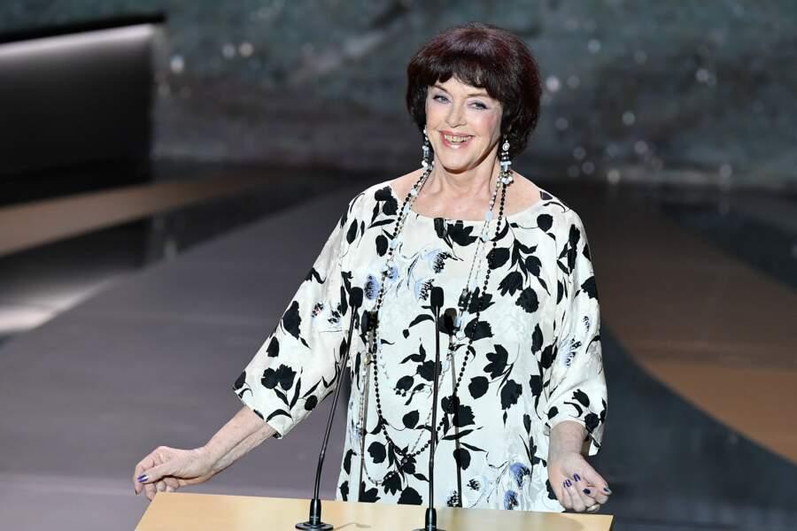 Anny Duperey enchaîne les apparitions à la télévision : remettante aux César ou actrice dans la série La Faute à Rousseau