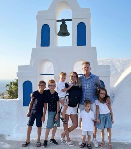 Les Santoro comptent bien profiter de leurs vacances à Santorin