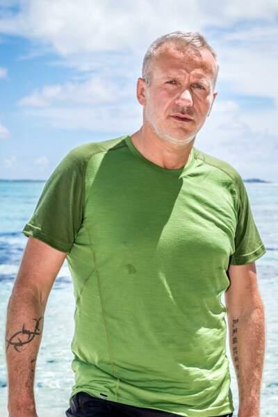 Patrick Merle, 51 ans Finaliste de Koh-Lanta : Palau (2009), candidat de La Revanche des héros (2012). Il est le doyen de cette édition.