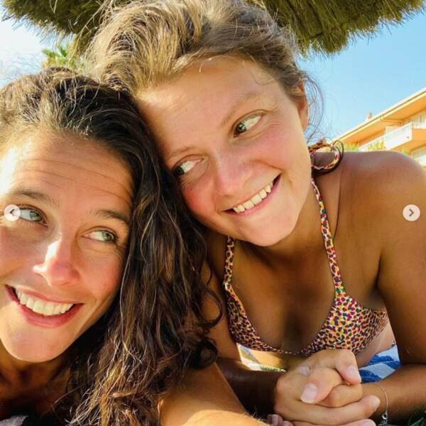 Selfie d'amour pour Clémence Castel et sa compagne Marie.