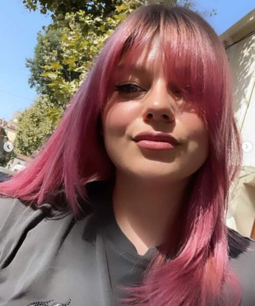 Louane voit la vie en rose.