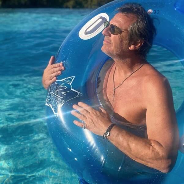 Et Jean-Luc Reichman a fait un peu d'auto-promo à la piscine avec une bouée 12 coups de midi !