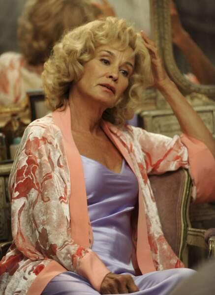 Outre ses nombreuses apparitions dans American Horror Story, elle interprétait Joan Cranwford dans Feud