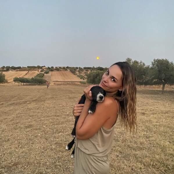 Et Joy Esther s'était elle aussi fait un nouvel ami poilu en Sicile.