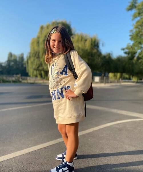 Aliya, la plus jeune fille de Norbert Tarayre, fait elle aussi sa rentrée et a été immortalisée par son papa