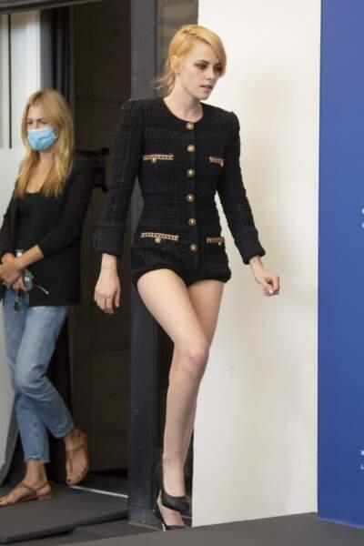 Pour promouvoir le film Spencer, Kristen Stewart est au Festival de Venise