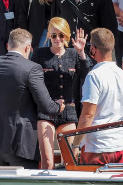 Le mini short Chanel porté par Kristen Stewart a séduit Venise