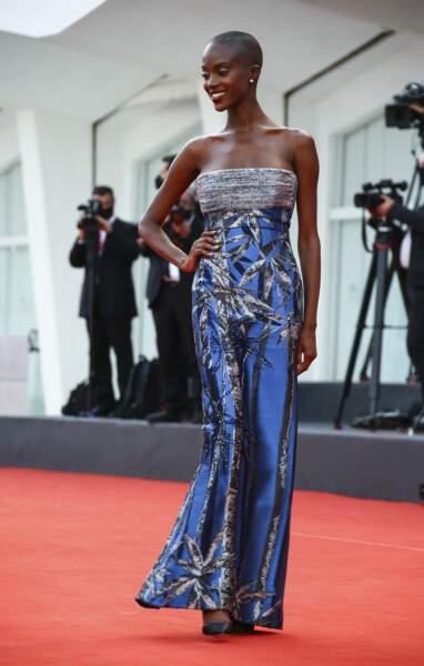 Madisin Rian porte une robe Armeni privée pour la projection de Dune à la Mostra de Venise