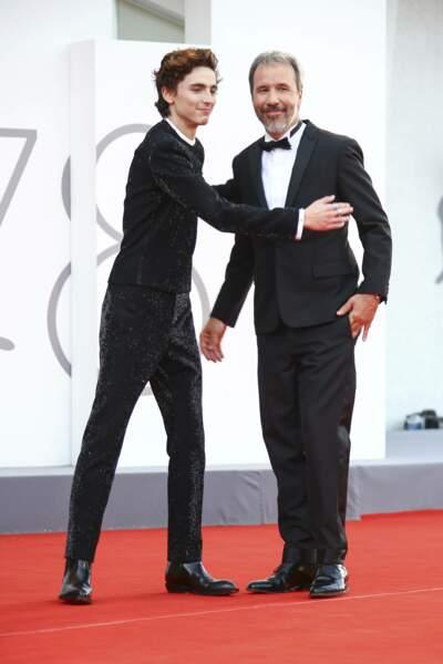 Timothée Chalamet pose avec Denis Villeneuve, le réalisateur de Dune