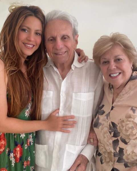 Shakira et ses parents William et Nidia.