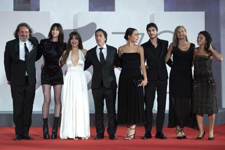 L'équipe du film Les Choses humaines sur le tapis rouge de Venise
