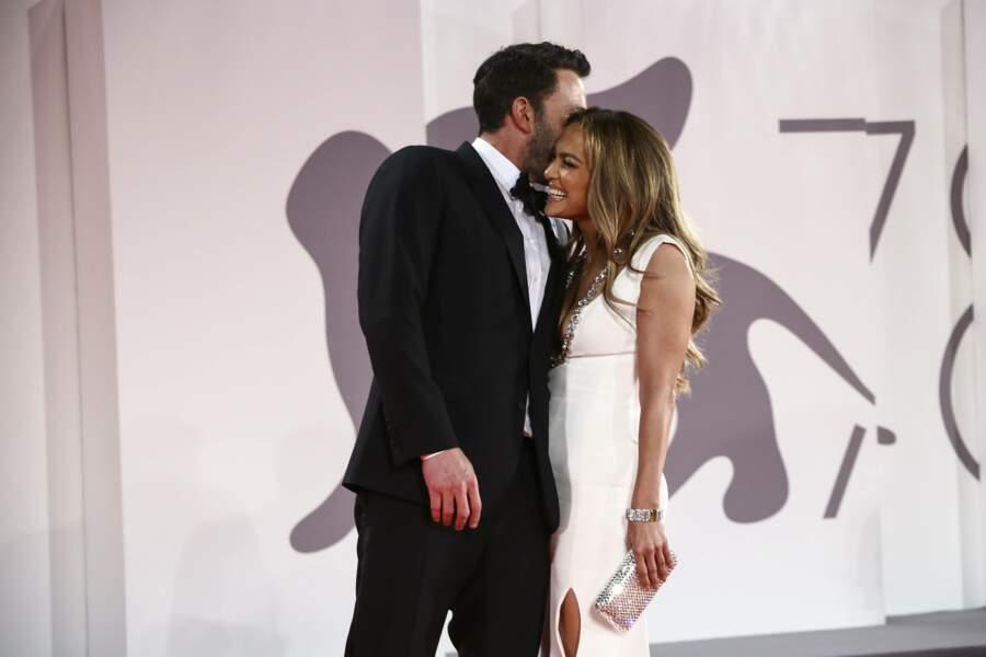 Le couple Bennifer n'a donc plus peur de croiser les paparazzi. Tout porte à croire que cette histoire d'amour est faite pour durer.