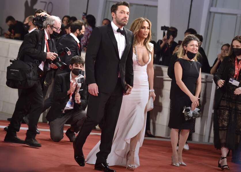C'est la première fois que le couple foule un tapis rouge depuis la première de Gigli, à Los Angeles en juillet 2003.