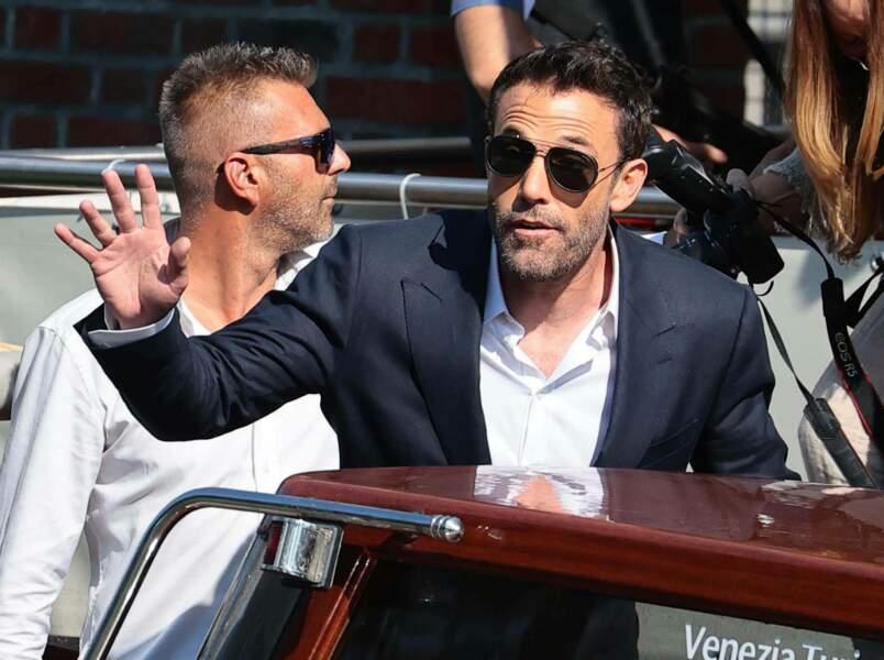 Ben Affleck ne passe pas incognito, même avec une paire de lunettes aux yeux.