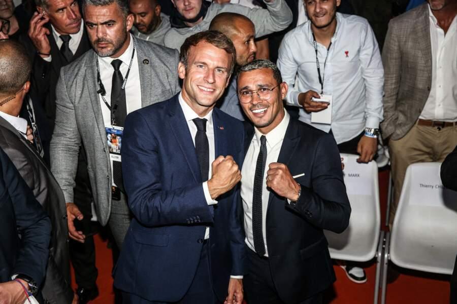 L'un des plus célèbres boxeurs contemporains français a posé aux côtés d'Emmanuel Macron.