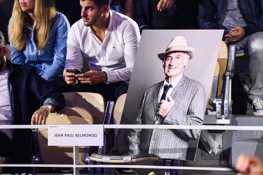Jean-Paul Belmondo, l'acteur ancien boxeur qui venait d'être enterré, était dans tous les esprits.