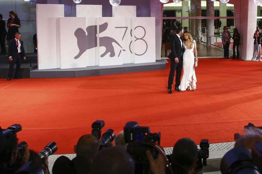 J Lo et Ben Affleck étaient les véritables stars de l'avant-première du Dernier duel, dont Ben Affleck est l'un des acteurs principaux.