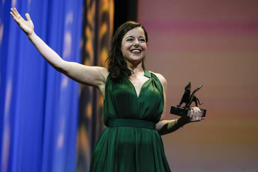 Laure Calamy a reçu le prix Orizzonti de la meilleure actrice pour son rôle dans À Plein Temps