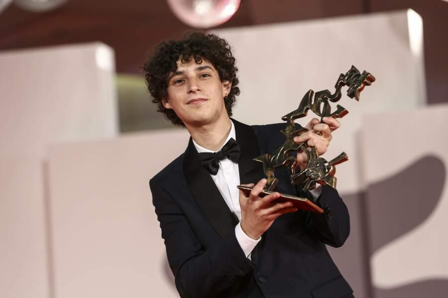À 21 ans, Filippo Scotti reçoit le prix du meilleur jeune acteur